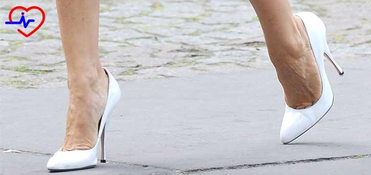 sagliksiz-yuksek-topuklu-ayaklar